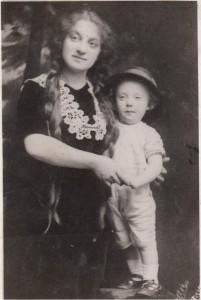 1913, Regina Szabolcsi and Coleman Varady